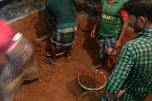 'গুপ্তধনের' সন্ধানে রাজধানীর মিরপুরে পুলিশ অভিযান