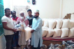 """চৌদ্দগ্রামে """"মানবকল্যাণ ফাউন্ডেশন""""র উদ্যোগে ৬০টি পরিবার পেল ৩০ দিনের ইফতার সামগ্রী"""