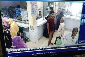 চৌদ্দগ্রামে ৪ লাখ টাকা ছিনতাই, সিসি টিভি'তে সনাক্ত চোর গ্রেপ্তারে সহযোগীতার আহ্বান