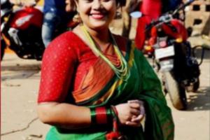 হিন্দু গরু আর মুসলমান শুয়োর খায় না, নারী হলে হিন্দু-মুসলমান মিলে-মিশেই খায়