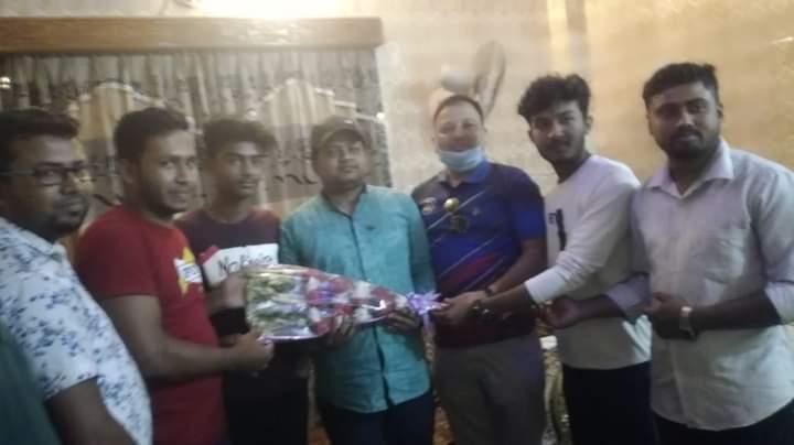 রংধনু ক্লাবের উদ্যোগে চৌদ্দগ্রামের কৃতি সাংবাদিক এমদাদ উল্লাহকে সংবর্ধন